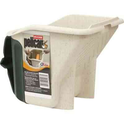 Wooster Pelican 1 Qt. Green & White Painter's Bucket with Magnetic Brush Holder